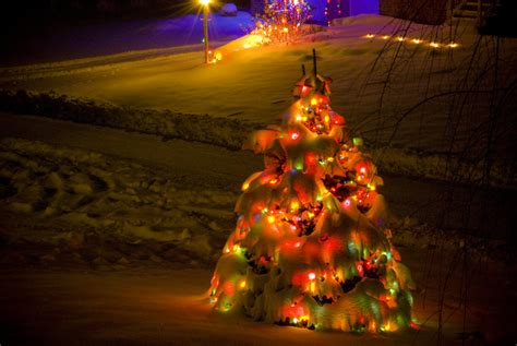 christmas lights snowy night by kdennisnaz on deviantart