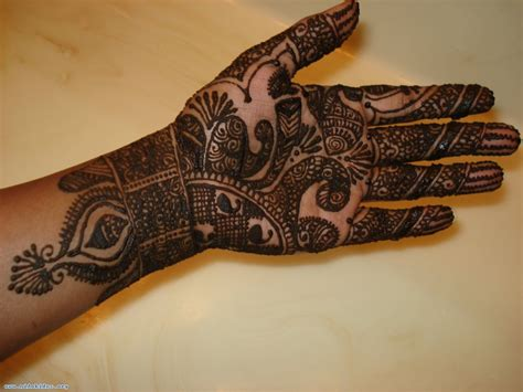 latest mehndi designs for hands design of mehndi in hand