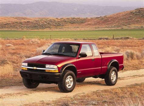 car repair manual download 2004 chevrolet s10 free book repair manuals chevrolet s 10 extended cab specs 1997 1998 1999 2000 2001 2002 2003 autoevolution