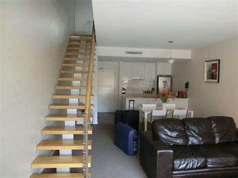 treppe im wohnzimmer treppe im wohnzimmer treppe mit glasgel nder f r schickes