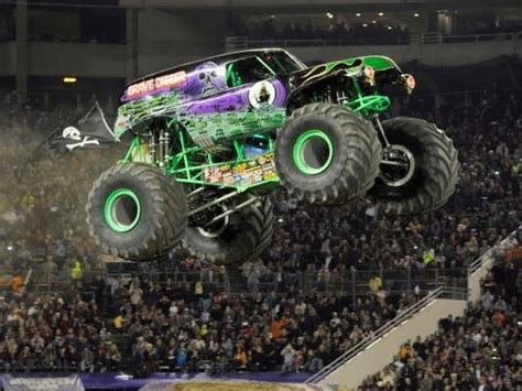 monster truck grave digger video monster trucks houses pictures