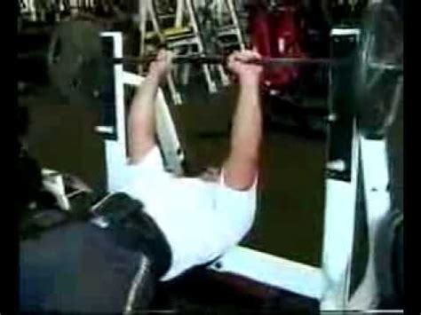 raw bench training video glen chabot raw bench training with craig titus for the 2001 arnold classic