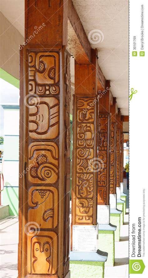 imagenes libres madera columnas de madera talladas im 225 genes de archivo libres de