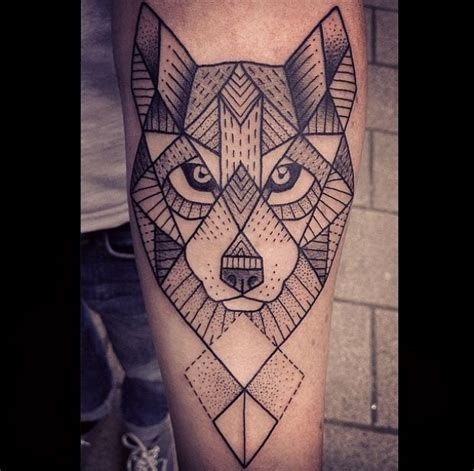 tattoo geometrico lobo geom 233 trico tattoo homem feito