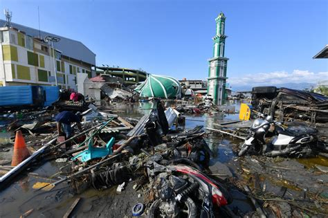 tsunami palu vid 201 o indon 233 sie la ville de palu d 233 vast 233 e apr 232 s le