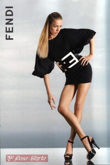 Sepatu Merk Fendi kumpulan gaya fashion artis luar negeri merk fashion