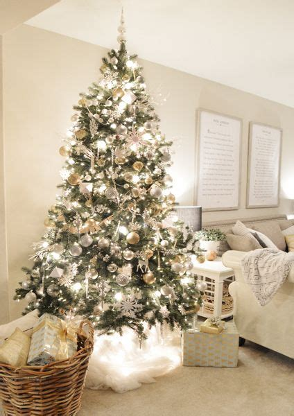 trees decorated in gold and white plus de 1000 id 233 es 224 propos de decor sur