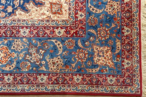 Beautiful Vintage Isfahan Persian Rug 51078 By Nazmiyal Isfahan Rug