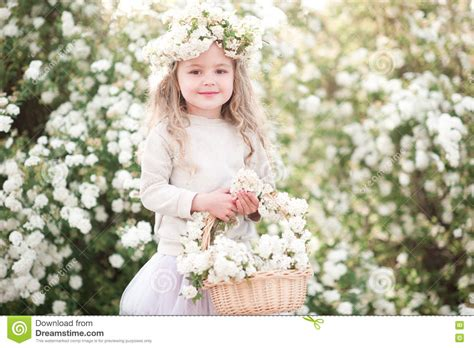 baby flower baby with flowers www imgkid the image