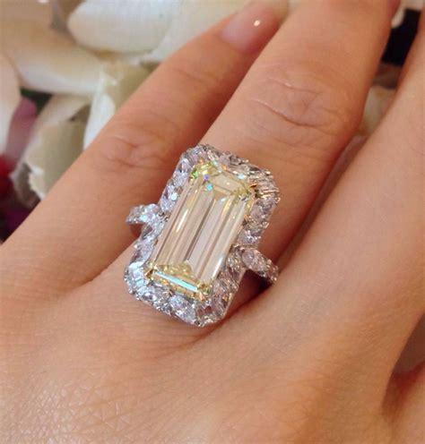 5 45 Ct Memo Emerald 4 41 carat emerald cut fancy light yellow gold
