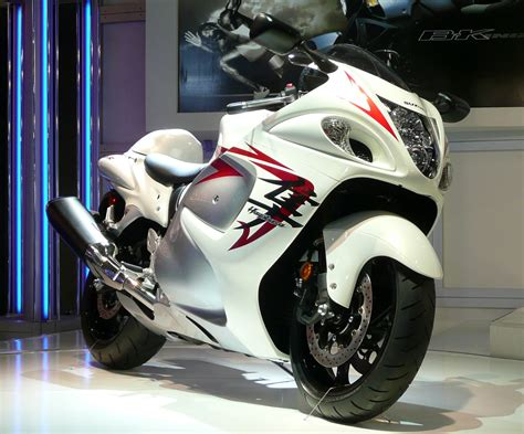 Suzuki Hayabuza Price Suzuki Hayabusa 1300 Price In India Review Features
