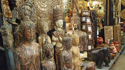 chatuchak market home decor low priced shopping while traveling the chatuchak market