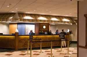 file front desk paradise pier hotel 2014 jpg wikimedia