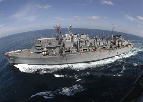aoe  supply fast combat support ship