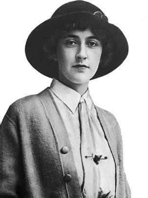 A young Agatha Christie | 9 inspiração | Agatha christie