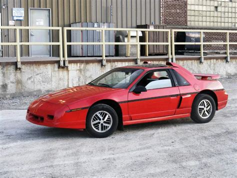 how to fix cars 1985 pontiac fiero free book repair manuals 1985 pontiac fiero information and photos momentcar