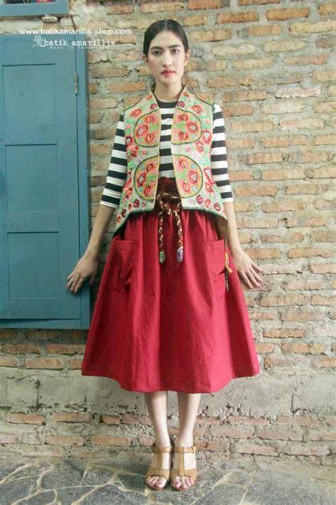 Tunic Batik Sogan Kerah Balik Terbaru batik amarillis made in indonesia proudly presents batik amarillis s arcana embroidery vest