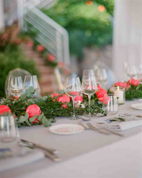 Simple Wedding Centerpieces by 39 Simple Wedding Centerpieces Martha Stewart Weddings