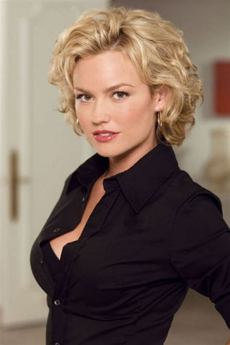hairstyles over 35 35 beautiful short wavy hairstyles for women