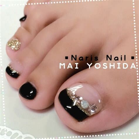 gold snowflakes pretty hands pretty feet pinterest 282 best toe nails images on pinterest nail design nail