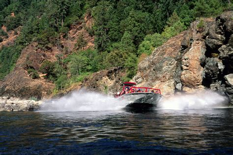 rogue river jet boat excursions recreation jet boat excursion rogue river wild scenic