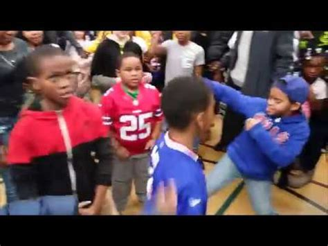 buffalo bills family section buffalo bills lesean mccoy hosts dance party at kids