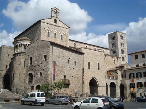 cattedrale  anagni wikimedia commons