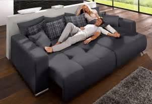 sofa mit bettfunktion billig billige schlafsofas m 246 belideen