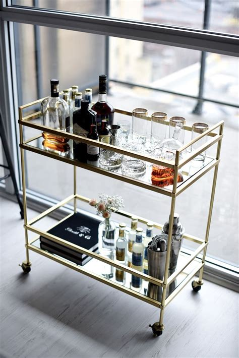 Kitchen Island Decor Ideas by Best 25 Bar Cart Styling Ideas On Pinterest Bar Cart
