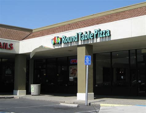 table pizza king road table pizza bluff brokeasshome com