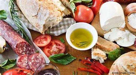 alimenti tipici italiani app di cucina i prodotti tipici su smartphone con l app