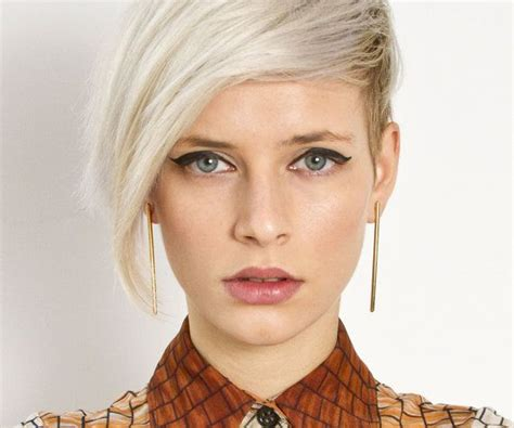 hairstyles to show your errings short hairstyles how to match your earrings to your hairstyle hair world