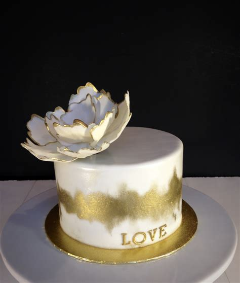 How To Decorate A Birthday Cake At Home by White And Gold Cake Cakecentral Com
