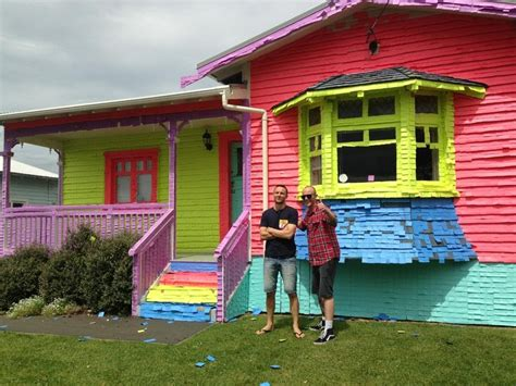 house of note house covered in post it notes jono and ben at ten youtube