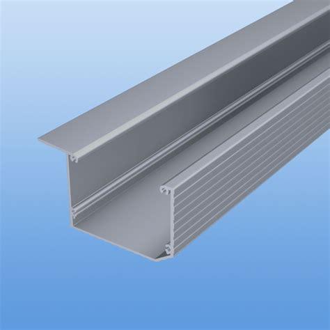 überdachung aus alu aluminium kastenrinne silber dachrinnen