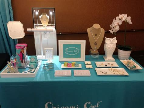 Origami Owl Display - this origami owl jewelry bar display using just the