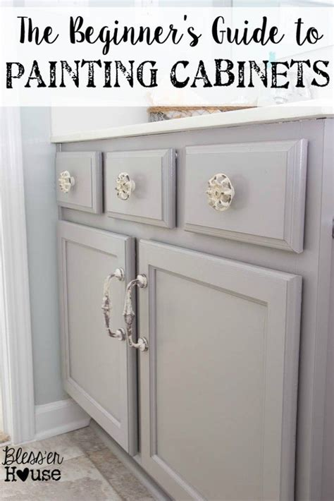 Best Paint For Bathroom Vanity Best 25 Painting Bathroom Vanities Ideas On Pinterest Diy Bathroom Cabinets Refinish