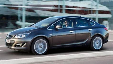 auto 4 porte opel astra sedan 4 porte listino prezzi 2018 consumi e