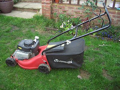 Sovereign Manual Push Briggs And Stratton Petrol Lawnmower