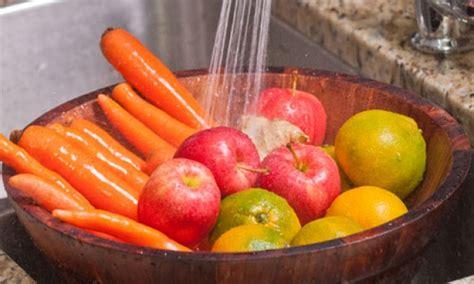 cucinare la verdura lavare frutta e verdura