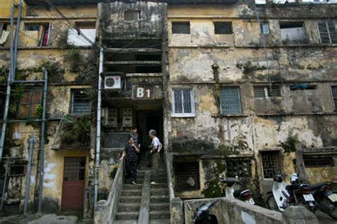 Hanoi?s old apartment blocks in pictures   News VietNamNet