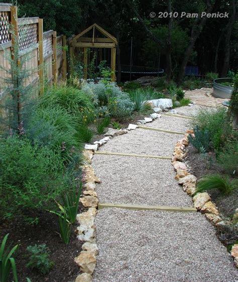 Pea Gravel Path Hillside Gravel And Timber Path Done Diggingdigging