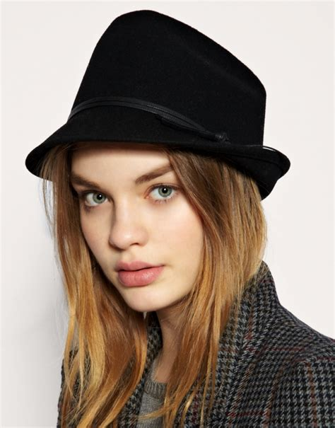 sammi in beautiful trilby hats