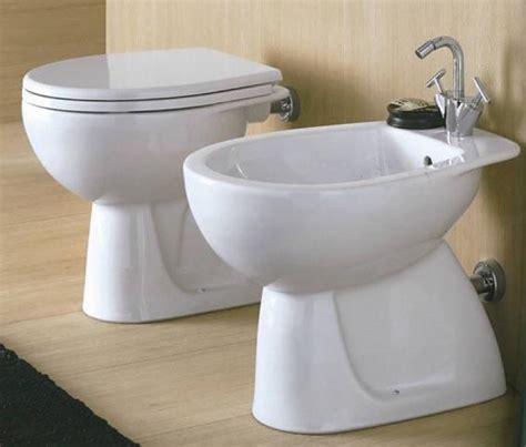 vaso da bagno sanitari vaso sedile bidet colibri 2 pozzi ginori arredo
