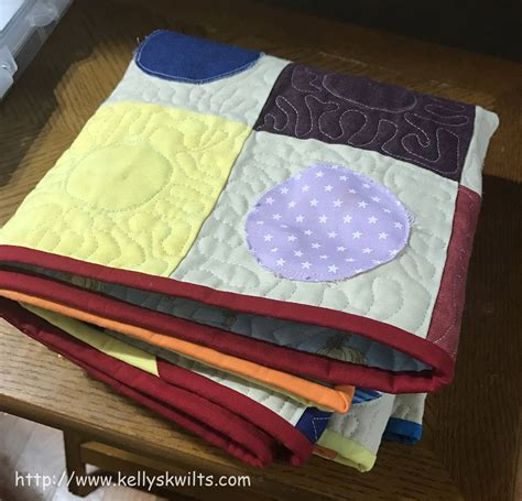 Circle Table Runner by S Kwilts And Any Other Craftiness I Can Come Up With