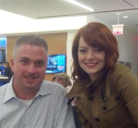 emma stone dad emma stone goes back to red after wrapping on spider man