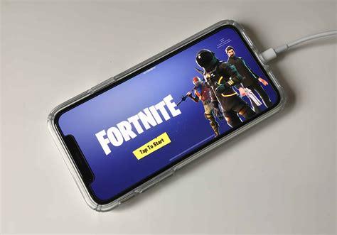 fortnite si aggiorna su xbox fortnite mobile si aggiorna su iphone con la stagione 4