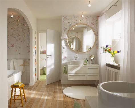 Badezimmer Fliesen Welche Höhe by Romantische Fliesen Mit Blumendekor Bild 17 Sch 214 Ner