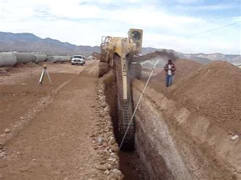 world s largest trencher vermeer t1255 con trencher al lavoro youtube