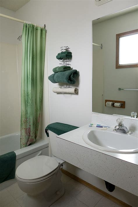 motel with bathtub image gallery motel bathroom